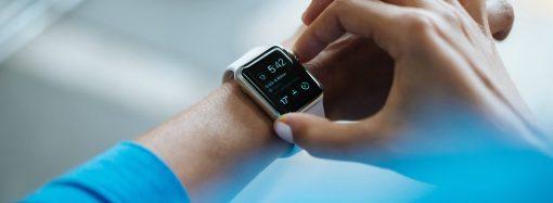 Jak technologia ubieralna wpływa na medycynę?