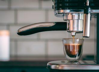 TOP 5 ekspresów do kawy do 2000 złotych