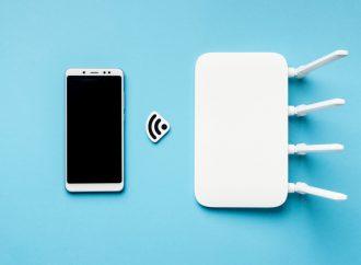 Czy goście powinni korzystać z tej samej sieci WiFi co Ty?