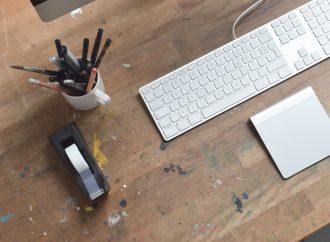 Jak naprawić klawisz w laptopie?